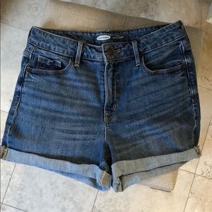 Old Navy High Rise 3inch Shorts Size 6